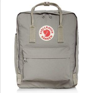 Fog grey Fjällräven kanken 16l backpack